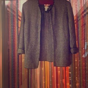 Black and White CHICO'S size 2️⃣ woven blazer FUN!